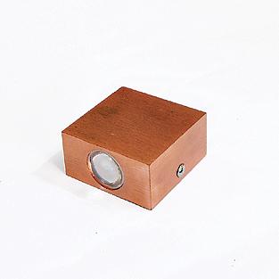 چراغ دکوراتیو مکعبی یک طرفه برنزی